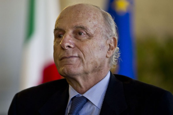 I governanti dell'Italia, con la mente annebbiata dal neoliberismo, non vedono le soluzioni scritte nella vigente Costituzione repubblicana